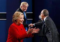 Donald Trump chỉ trích người dẫn chương trình thiên vị Hillary Clinton