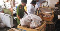 Phát hiện hơn 150kg thịt thối xếp chung với sữa tươi