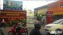 Nữ bệnh nhân nước ngoài tố bị phó khoa bệnh viện 'sàm sỡ'