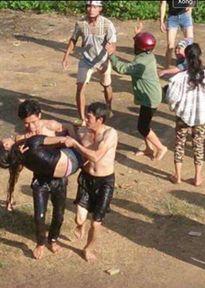 Yên Bái: Anh bất lực nhìn em gái chìm dần xuống nước