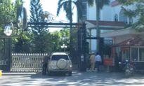 Người xưng nhà báo 'náo loạn' cổng UBND tỉnh Thanh Hóa bị phạt 17 triệu