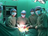 Mang khối u 'khủng' trong phổi, đẩy lệch tim sang ngực phải