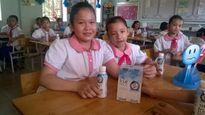 Trẻ em huyện nghèo sẽ được uống sữa miễn phí mỗi ngày