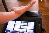 Xuất hiện hình thức thanh toán bằng vi mạch cấy dưới da thay thẻ tín dụng