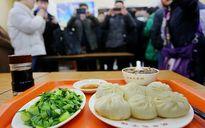 """Người Trung Quốc và """"cơn sốt"""" đồ ăn Tập Cận Bình"""