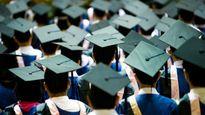 Có nên thu tiền làm lễ tốt nghiệp?