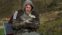 Schweinsteiger hóa thân thành đức vua thời trung cổ