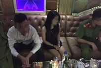 Phát hiện 4 thanh niên có dấu hiệu sử dụng ma túy cùng chất gây nghiện tại karaoke Quán Lau