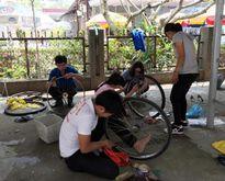 Những người Việt tình cờ gặp: Thấy cần thì giúp, không đắn đo toan tính