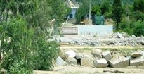 Bình Định: Bị lập chốt kiểm tra, mỏ đá 'án binh bất động'