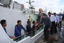 15 ngư dân Quảng Ngãi trong vụ chìm tàu từ cõi chết trở về cảng Cát Lở an toàn