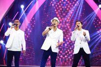 Elvis Phương xuất thần với âm nhạc Nguyễn Trung Cang và Lê Hựu Hà