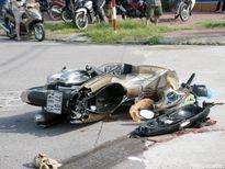 Quy Nhơn: Xe tải 'nuốt' xe máy, kéo lê 2 phụ nữ trên đoạn phố dài gần 10m