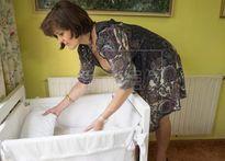 """Cãi lời bác sĩ để mang thai, bà mẹ 62 tuổi nhận về cái kết """"ngọt lịm"""""""