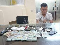 Cảnh sát hình sự Hà Nội phá sới bạc 'khủng' hơn nửa tỷ đồng