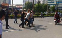 Hà Nội: Gặp 141, vứt xe máy bỏ chạy thục mạng