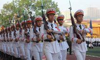 Mãn nhãn Học viện An Ninh Nhân dân diễu binh hoành tráng