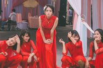 Cô dâu siêu ngầu bên dàn phù dâu 'nhà người ta'