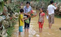 Loạt ảnh trân quý nhất khi sao Việt đi từ thiện