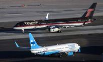 Chuyên cơ của ông Trump và bà Clinton 'chạm mặt' nhau tại sân bay Las Vegas