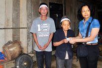 Hà Tĩnh: 300 suất quà từ cộng đồng người Việt tại Hàn Quốc đến với người dân vùng lũ