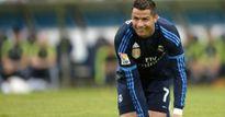 Báo Anh: Chủ tịch Perez chỉ muốn 'lợi dụng' Ronaldo thêm 4 năm