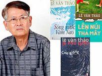 Nhà văn Lê Văn Thảo đã lên núi thả mây