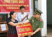 Học viện Chính trị CAND hỗ trợ vùng lũ Hà Tĩnh