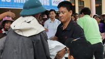 Đến với người dân vùng lũ nghèo Hà Tĩnh