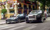 Hai siêu xe nhà chồng Hà Tăng xuất hiện trên phố Sài Gòn