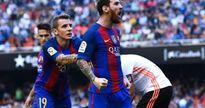 Messi văng tục với CĐV khi thấy Neymar bị ném chai nước