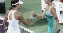"""WTA Finals ngày 2: Mỹ nhân đấu """"hoa khôi"""" tennis"""