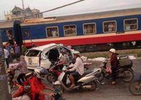 Thủ tướng chỉ đạo khắc phục hậu quả vụ tai nạn tàu hỏa đâm ô tô tại Hà Nội