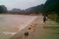 Quảng Bình: Đi học, một học sinh bị nước cuốn mất tích