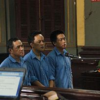 Lợi dụng 'Việt kiều hồi hương', buôn lậu ô tô từ Mỹ: Có dấu hiệu bỏ lọt tội phạm