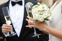 Ly hôn sau 2 giờ đám cưới vì vợ đăng ảnh lên mạng