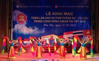 Triển lãm ảnh và phim phóng sự - tài liệu về ASEAN tại Phú Thọ
