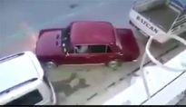 Cách đỗ xe vào chỗ hẹp