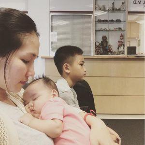Con gái Kim Hiền má phính đáng yêu khiến ai nhìn cũng mê