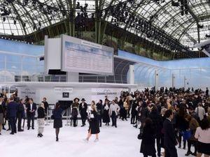 """Chanel """"chơi sang"""" với sân bay to đẹp giữa lòng Paris"""