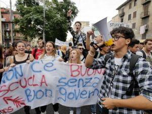 Hàng vạn học sinh sinh viên Italy biểu tình chống cải cách giáo dục