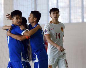 ĐT futsal Việt Nam 'nhấn chìm' ĐT futsal Trung Quốc