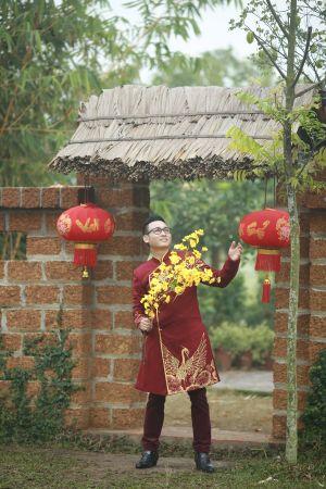 """Linh Nguyễn """"khoe"""" con gái trong MV """" Câu chuyện đầu năm"""""""