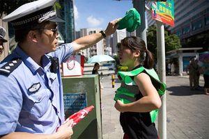 """Hình phạt vi phạm giao thông """"lạ đời"""" ở Trung Quốc"""