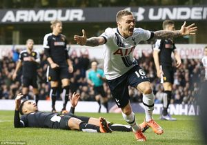 Loạt trận Premier League 22h ngày 6/2: Tottenham chiếm ngôi nhì bảng