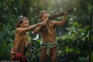 Cuộc sống của bộ lạc nguyên thủy ở Indonesia