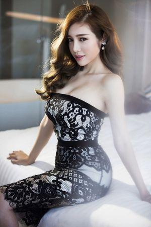 Elly Trần, Jennifer Phạm – Bà mẹ 2 con 'vạn người mê'