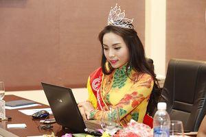 Nỗ lực thay đổi nhan sắc không biết mệt mỏi của Hoa hậu Kỳ Duyên