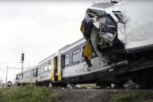 Đức: hai tàu hỏa lao đầu vào nhau, hơn 100 người thương vong