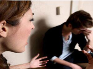 Mỗi lần giận nhau, vợ lại lên facebook 'chửi chồng'